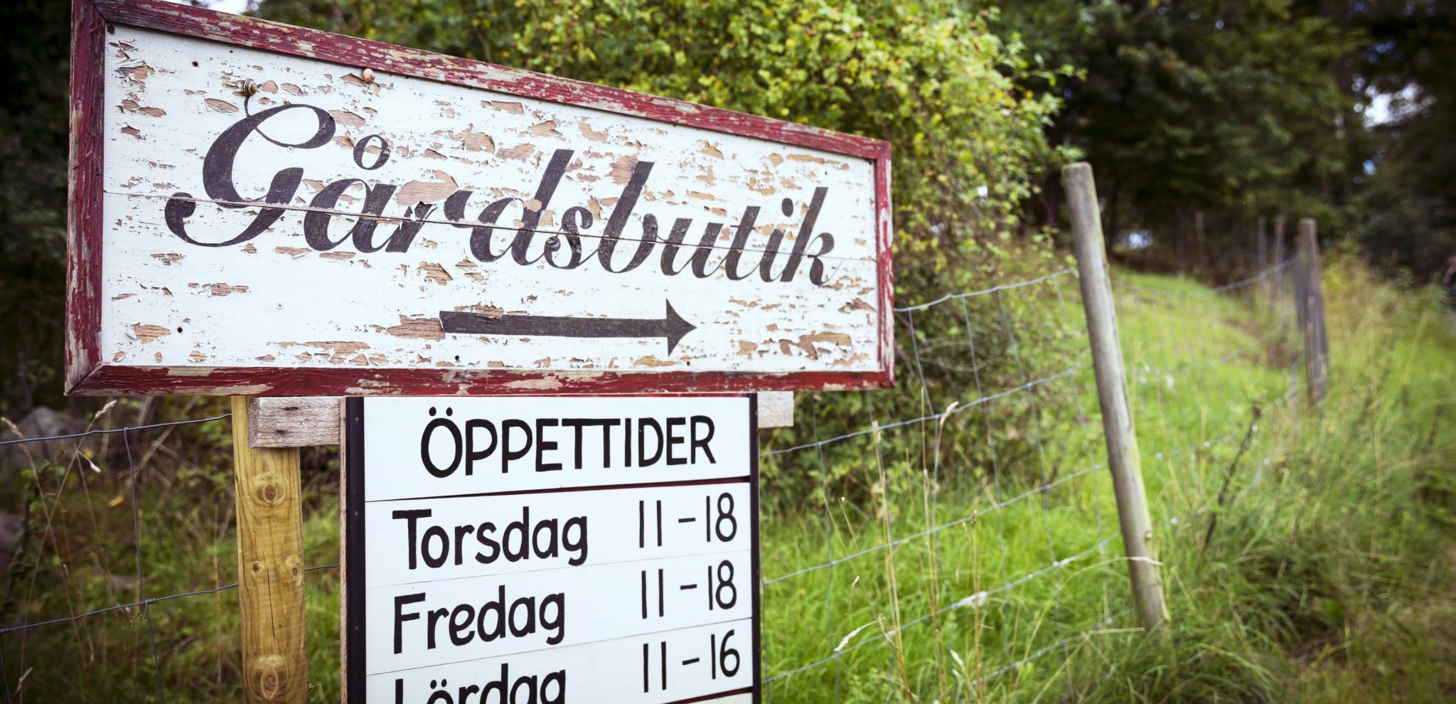 Farm shop sign in Skåne